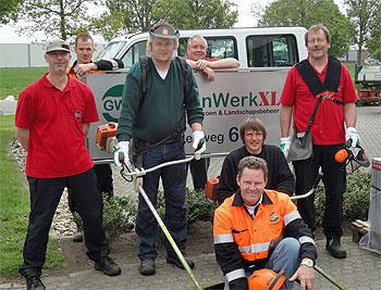 GroenwerkXL leidt SW-medewerkers intern op, bijvoorbeeld met een cursus bosmaaier