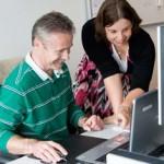 Mensen met autisme zijn uitstekende medewerkers, mits de werkzaamheden, begeleiding en werkomgeving aangepast worden.
