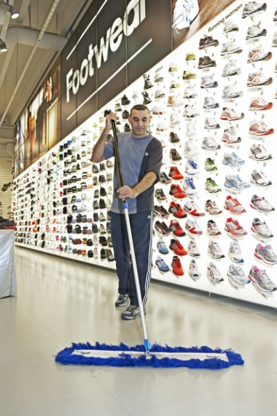 ISS cleaning retail services 600..