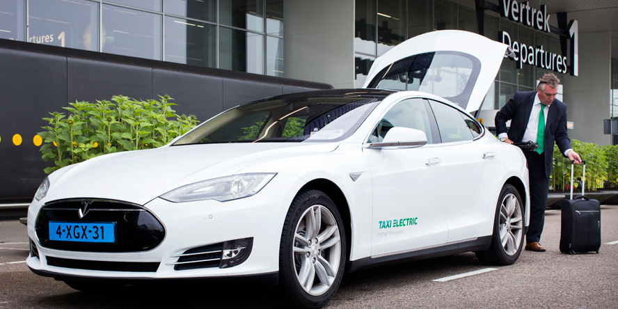 Taxi-Electric-Tesla-model-S